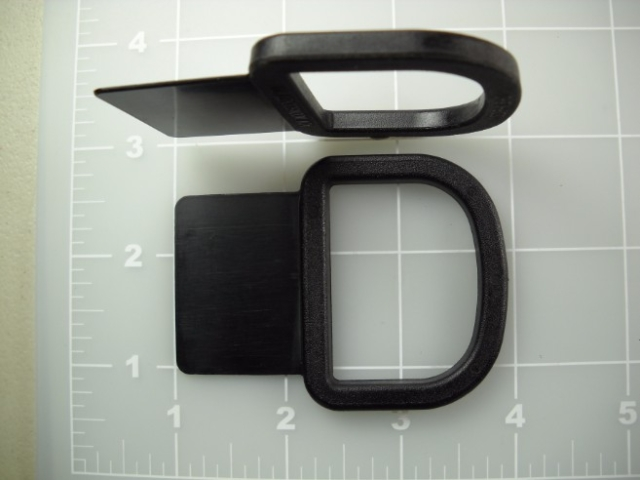 "1-1/2"" sewable plastic dee rings"